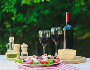 Vörösbor, a vacsora elmaradhatatlan része.
