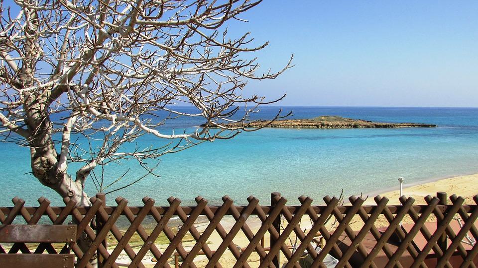 Fügefa-öböl tengerpart